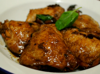 醬汁雞腿 Glazed Chicken Thighs