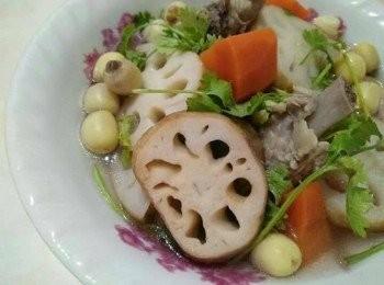 蓮藕蓮子排骨湯【豆豆愛的料理】【澎湖豬肉】