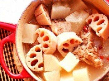 蓮藕蘋果排骨湯