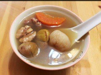 合桃栗子腰果白合紅蘿蔔素湯