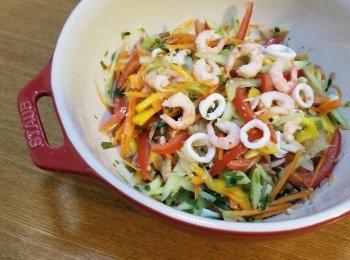 泰醒神鮮魷圈蝦蝦笑芒果柚子多多菜沙律~來開開夏天的胃♡