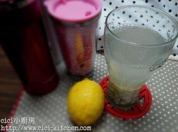 cici靚靚美白水: 檸檬薏米水