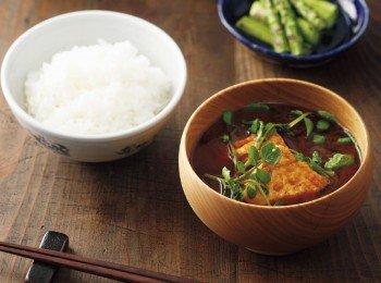 東販小食堂:日式家常菜 炸豆腐紅味噌湯